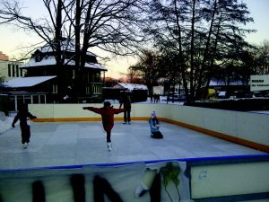 families skating events
